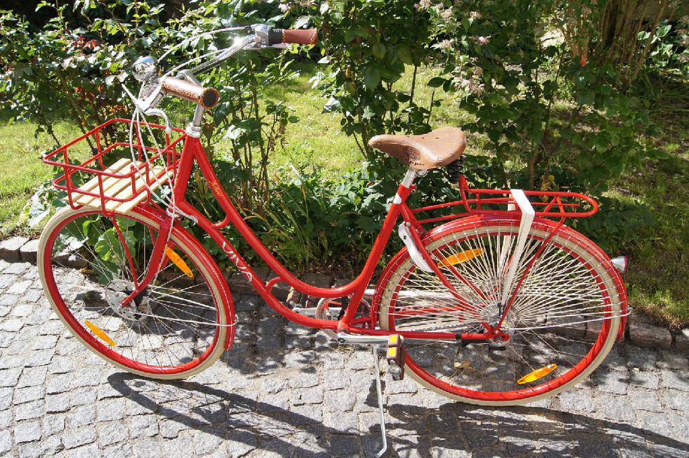 dame på cykel