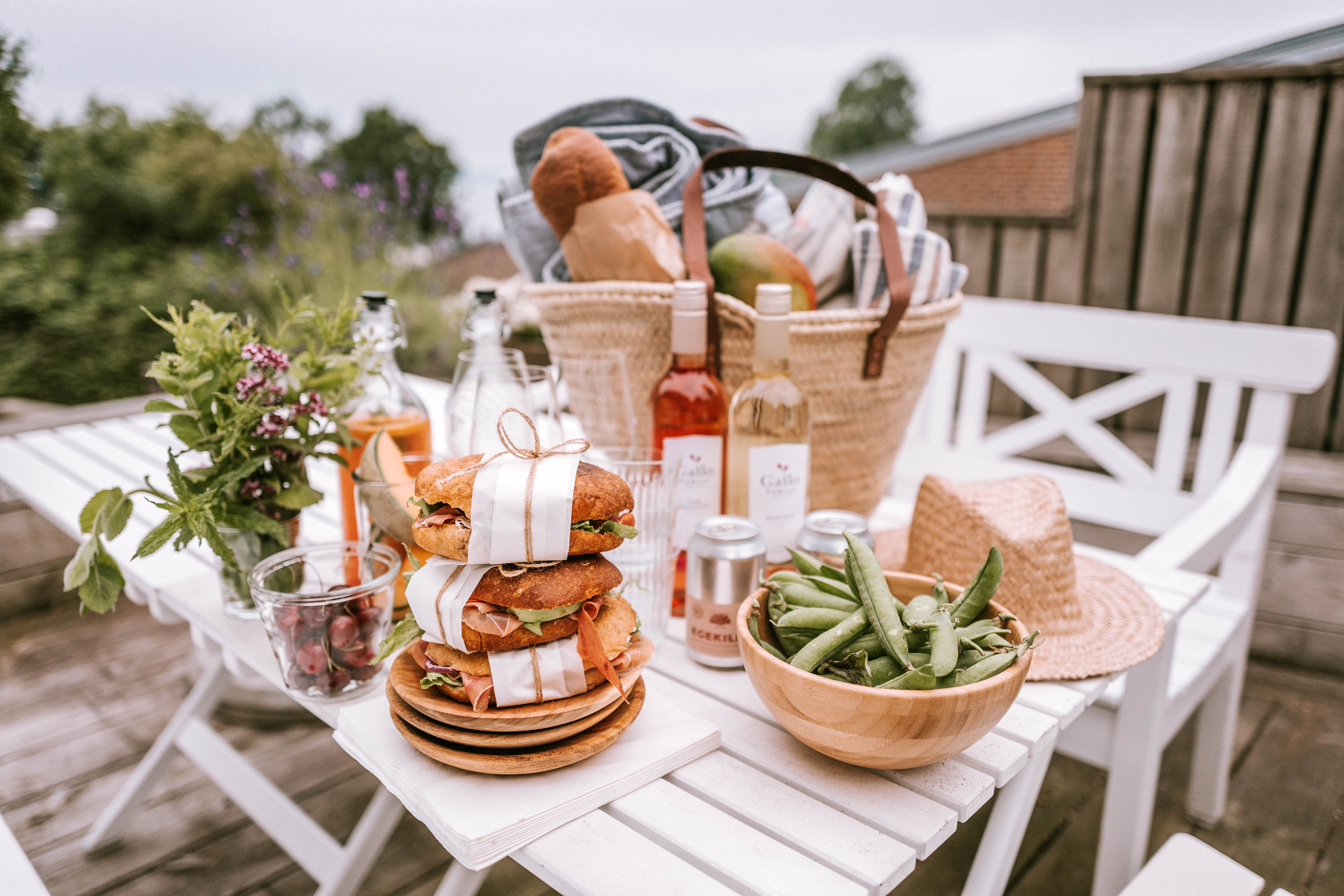 How To Pack The Perfect Picnic Basket Isabella Thordsen